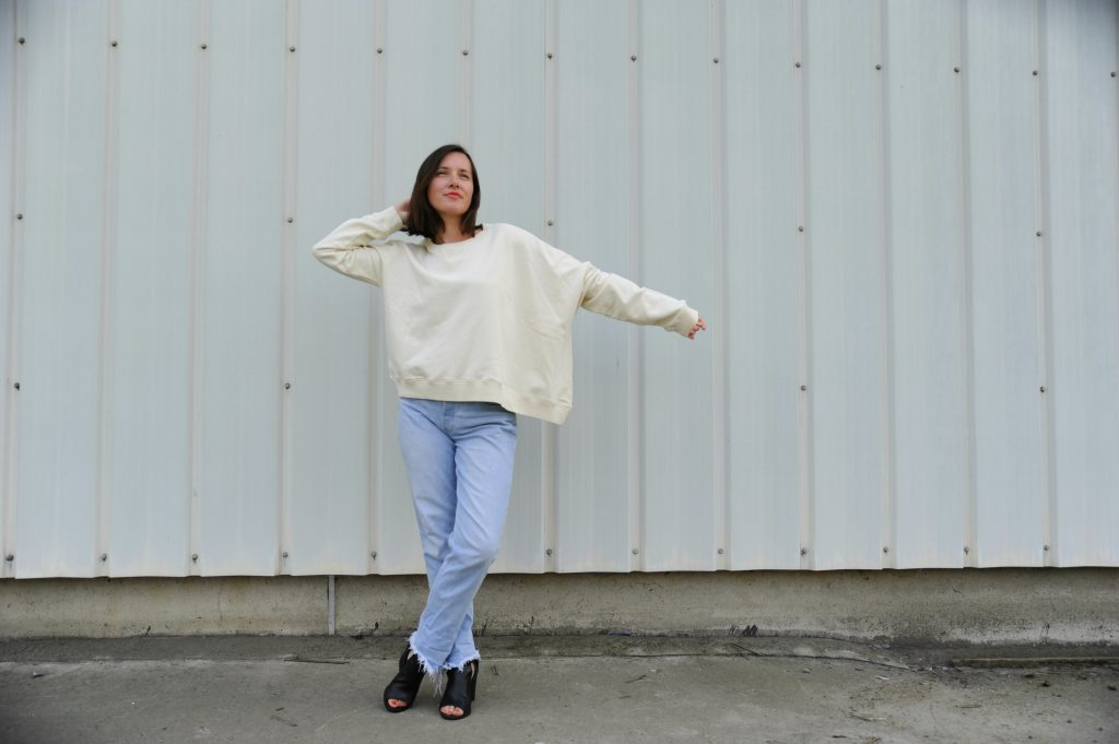 HOW TO WEAR THAT ASYMETRIC SWEATER