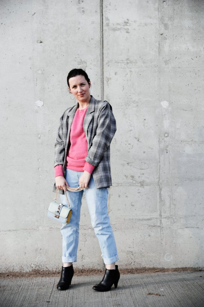 HOW TO STYLE THAT VINTAGE JACKET FOR SPRING