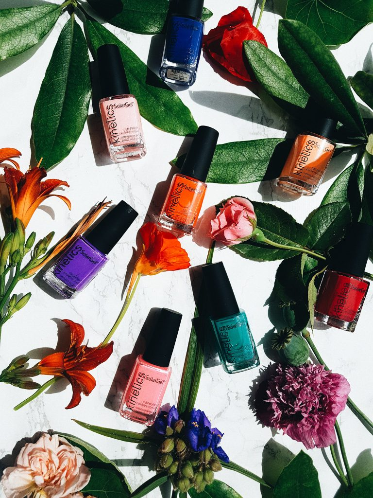 NAIL TRENDS : IT'S GONNA BE A TROPICAL SUMMER