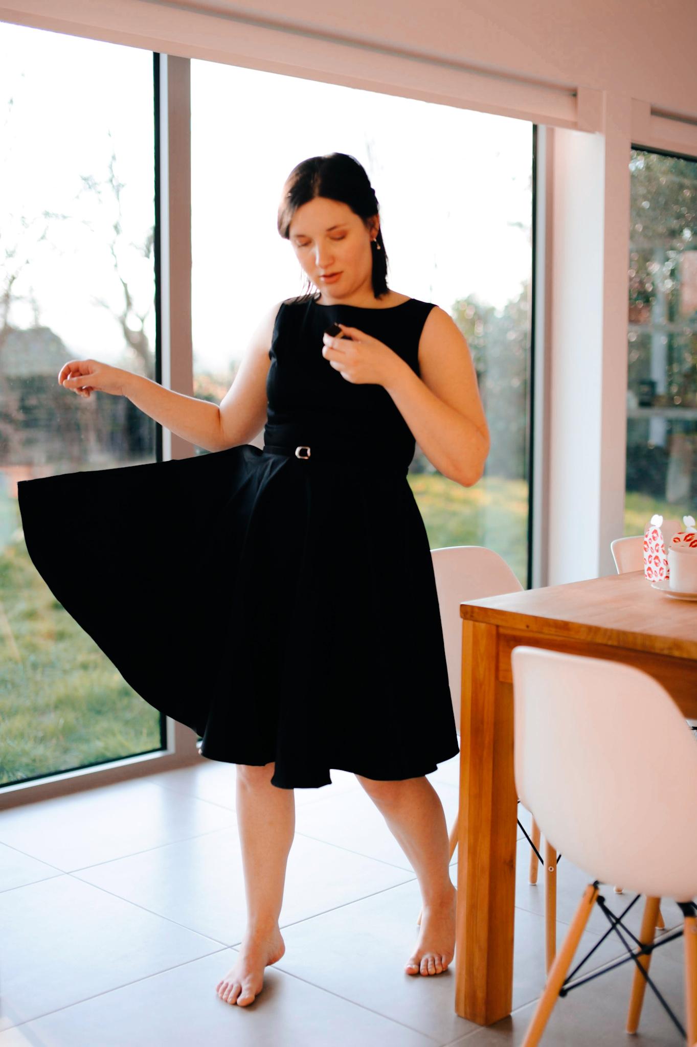 'THAT LITTLE BLACK DRESS' VIA GRACE KARIN