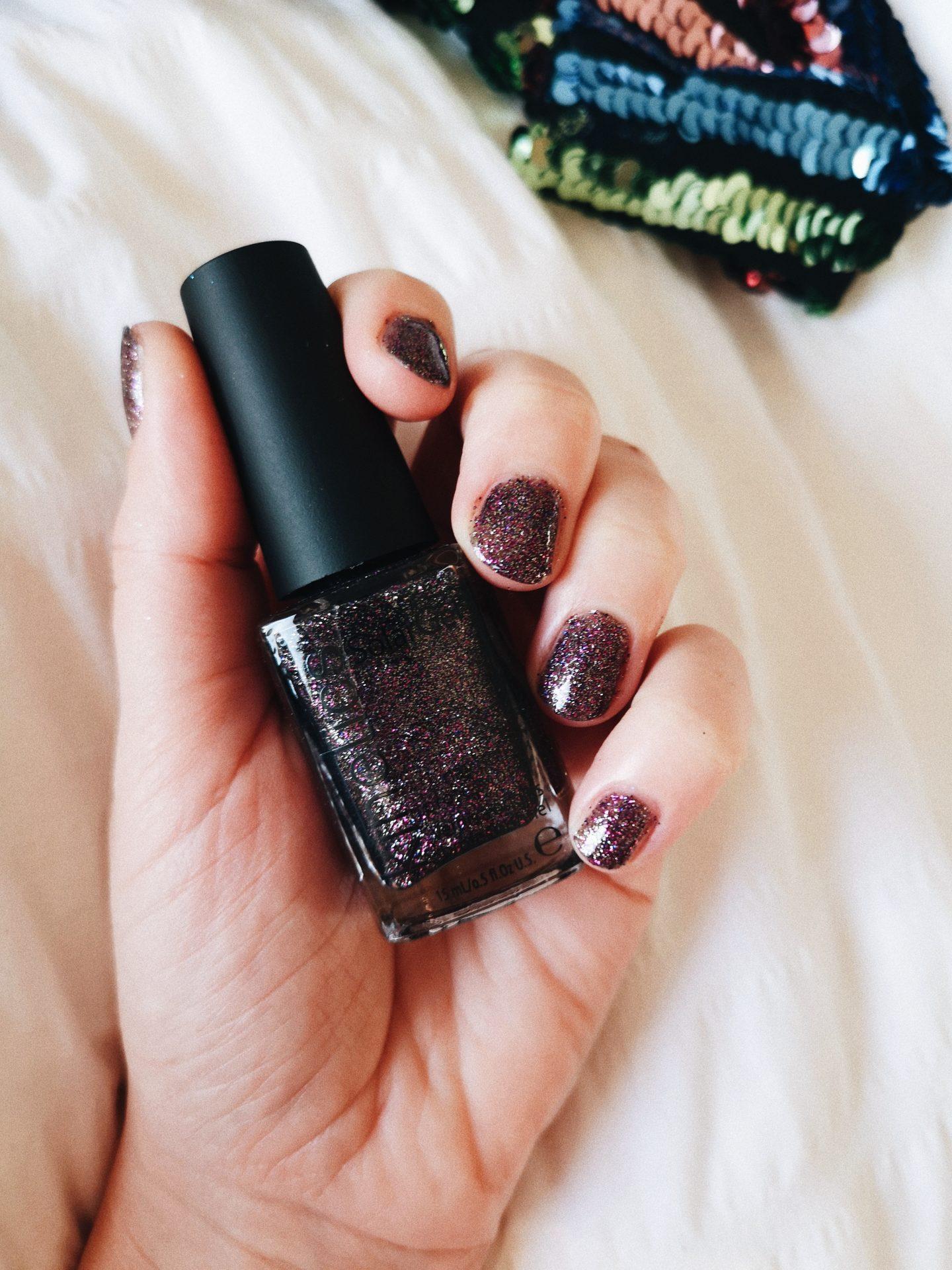 nagellak glitter feestdagen paars donker
