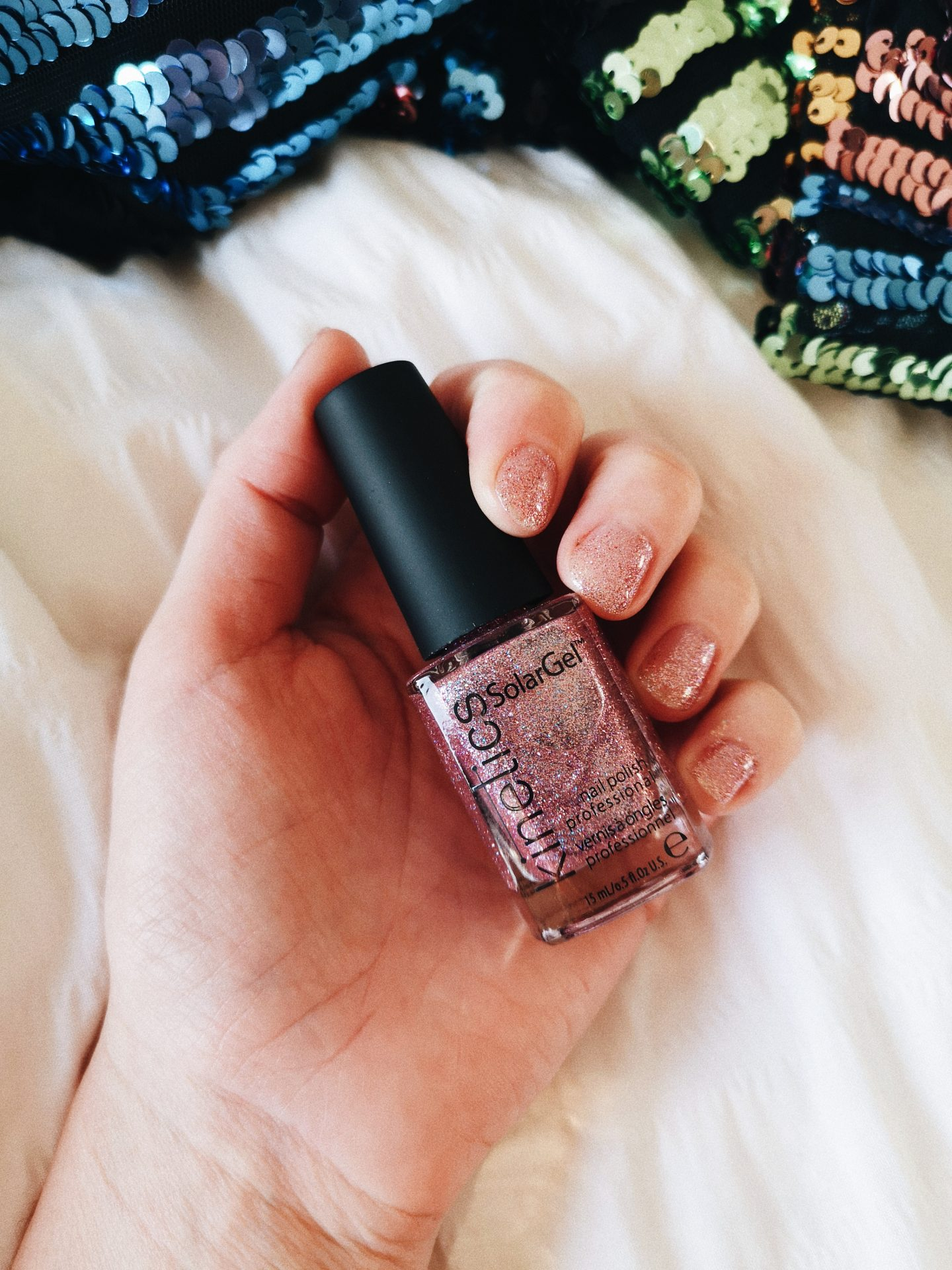nagellak feestdagen roze glitter
