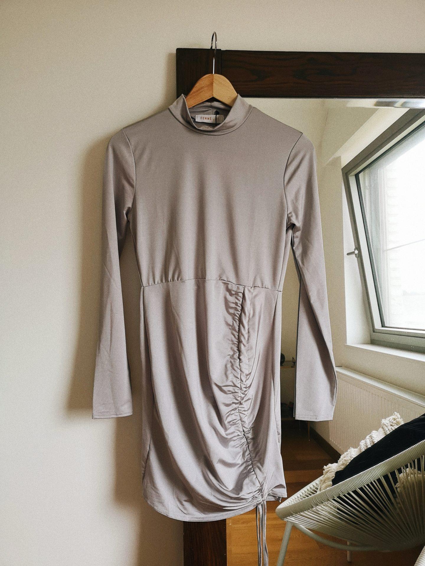 zilveren jurk kort